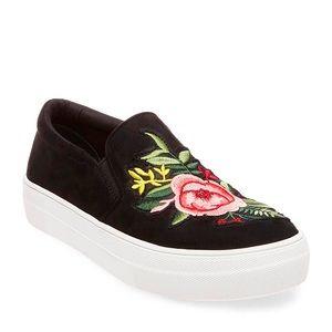 Steve Madden black flower garden sneakers